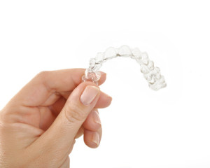 Cleaning Invisalign Braces and Helpful Hygiene Tips
